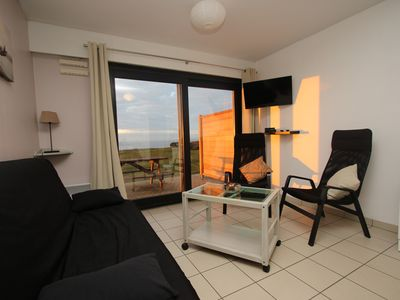 "Photo for Apartment facing the sea residence ""The Natural"" House, Wifi, Private parking"