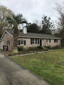 Pristine spacious ranch house, ideally located!