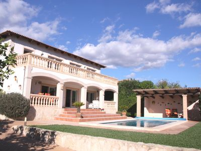 Photo for All NK included! Villa, upscale amenities, large pool, sea views, garden