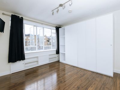 Photo for Great Studio Flat in Central London Zone 1