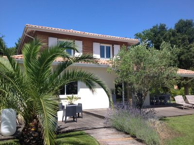 Photo for Beautiful quiet villa 160m2. 6pers. 1.8km beach on foot or by bike!promo July /