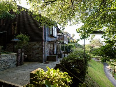 Photo for Lovely cottage with outside space and parking