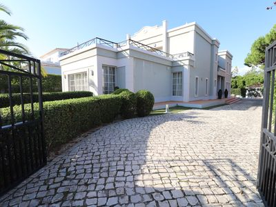 Photo for Superb 6 bedroom Villa in Varandas do Lago