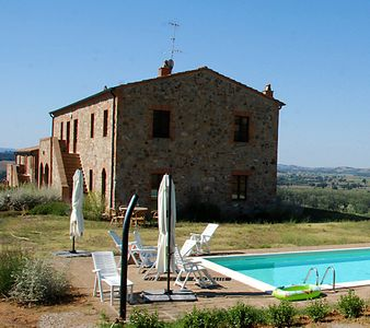Photo for Apartment in typical Tuscan farmhouse with pool