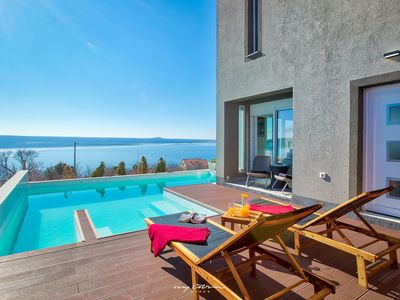 Photo for Fantastic villa with private pool and sea view