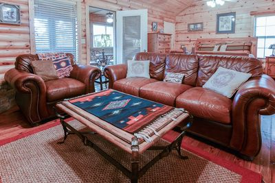 The open living area is perfect for spending time with family after a fun day in Branson.