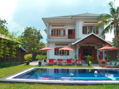 Villa 8/10 pers. 300 m2 with swimming pool in the heart of Siem-Reap / Angkor / Cambodia