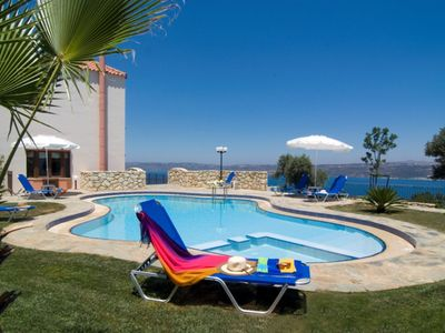 Photo for Beautiful 3-Storey Villa with Private Pool and Amazing Views to the Cretan Sea !