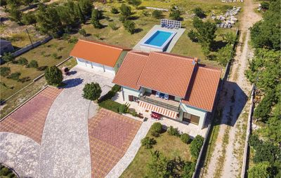 Photo for 4 bedroom accommodation in Lisicic