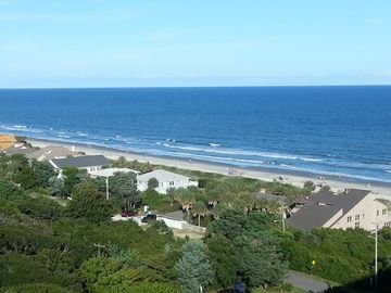 Spectacular Views, Great Location, Lovely Decorating - All just steps to beach!