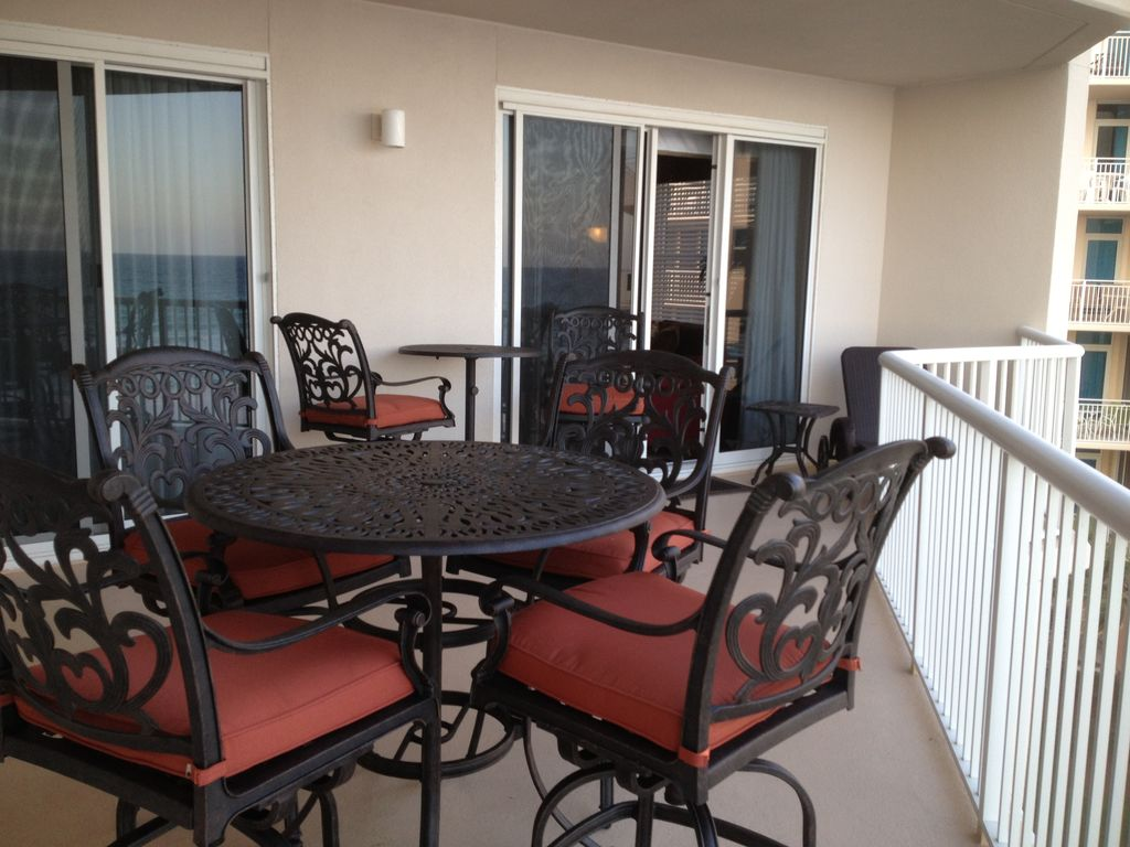 3bd 2bth end unit with large balcony booking now for 2018 for Balcony booking