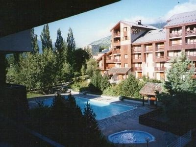 Photo for Beautiful renovated apartment of 7 people in residence with summer pool.