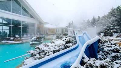 Photo for Free parking, Wifi and Hot Tub*: Slope side,Deluxe, ML#224; 1BR/1Bath*Ski in/Out