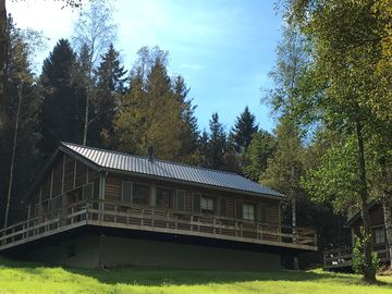 "The fagnes, the woods, the lake and the circuit available!  Chalet ""Le Voyageur"""