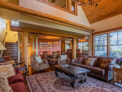 Photo for Ski-in/out townhouse w/private hot tub, views & paid access to a shared pool