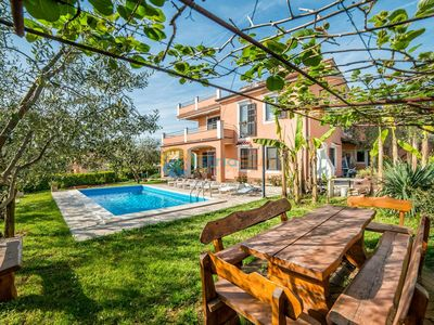 Photo for Apartment 821/1921 (Istria - Pula), Family holiday, 2800m from the beach