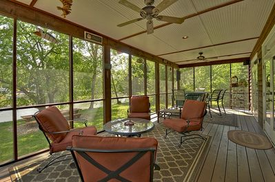 Large screened in porch with wonderful views! Only 50 feet from the river.
