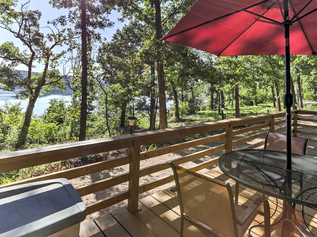 Lakeside Bull Shoals Lake Cabin W Deck Views Cedarcreek