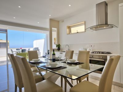 Photo for Marvelous 2-bedroom Penthouse with Seaviews