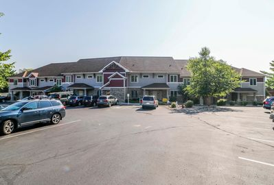 Wisconsin Dells Getaways Building With Parking #408