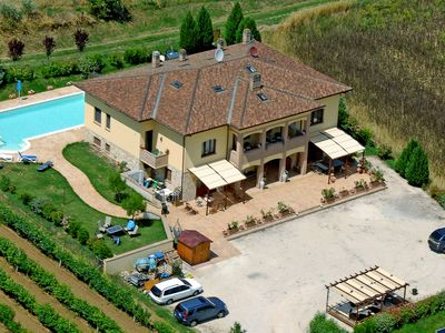 Photo for Luxurious Country Villa, large private pool, near Perugia, professional kitchen