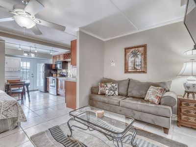 Photo for Cozy studio with shared pools, grilling, and picnic areas