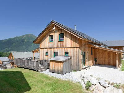 Photo for Luxurious wooden chalet with wellness centre and outdoor jacuzzi, ski lift 1300m