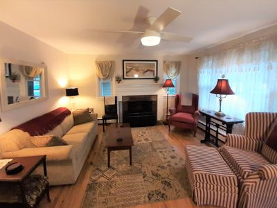 Dee's  Granby Staycation  ! Convenient location, New Gameroom, Charming interior