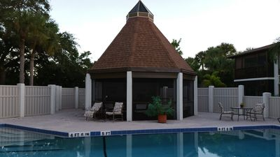 Photo for JAN-MAR ! 1ST FLR, 2/2;  7 MIN TO SIESTA BEACH, POOLSIDE, GRANITE,GULF/GATE