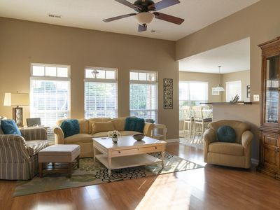 Family-Friendly, Clean, Stylish.  Close to Research Park Short Term Rental