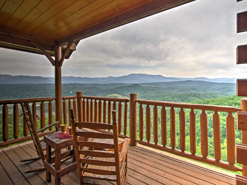 New heavenly high 1br sevierville cabin w hot tub sevier for Heavenly view cabin sevierville tn