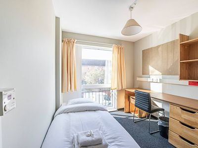 Photo for 321 e · Amazing Single Room In New Cross Gate