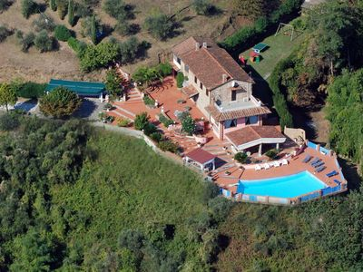 Photo for Private Villa with A/C, WIFI, private pool, TV, washing machine, parking, close to Viareggio