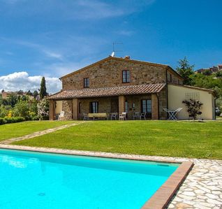 Photo for 6 bedroom Villa, sleeps 12 in Celle sul Rigo with Pool and WiFi