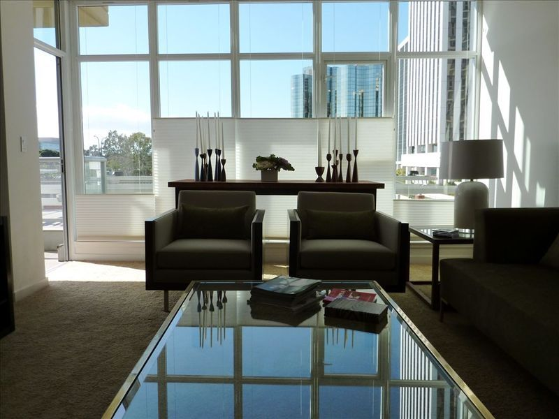 WEST OCEAN TOWERS Long Bch Condo 2Bed/2BA/Sunny/Balcony/ Pool/Gym/BEST BUILDING!