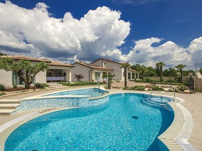 Photo for Holiday house Vižinada for 10 persons with 5 bedrooms - Villa