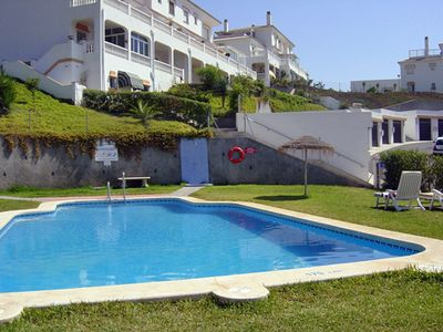 Photo for Light, air-conditioned Apartment in Peaceful Location with sea views Sleeps 2-4