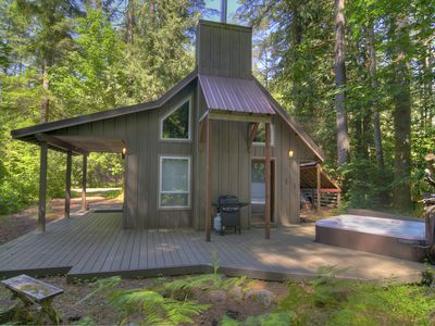 Photo for Adorable Chalet w Hot Tub Near River, 15 Min to Stevens! Mountain Charm! NOW 10%OFF!