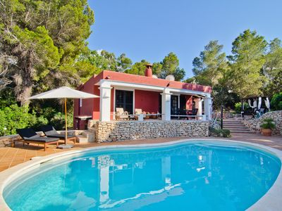 Photo for Charming villa with its own swimming pool and beautiful view of nature and the sea