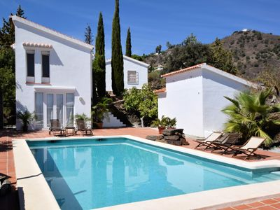 Photo for Charming villa with guesthouse, private swimming pool and beautiful location