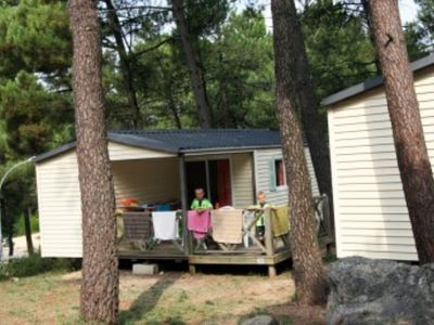 Photo for Mobilhome Rosemary 2 - Camping La Pinéde in Provence