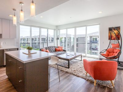 Photo for 307 Downtown Upscale 2bd 2ba Apartment