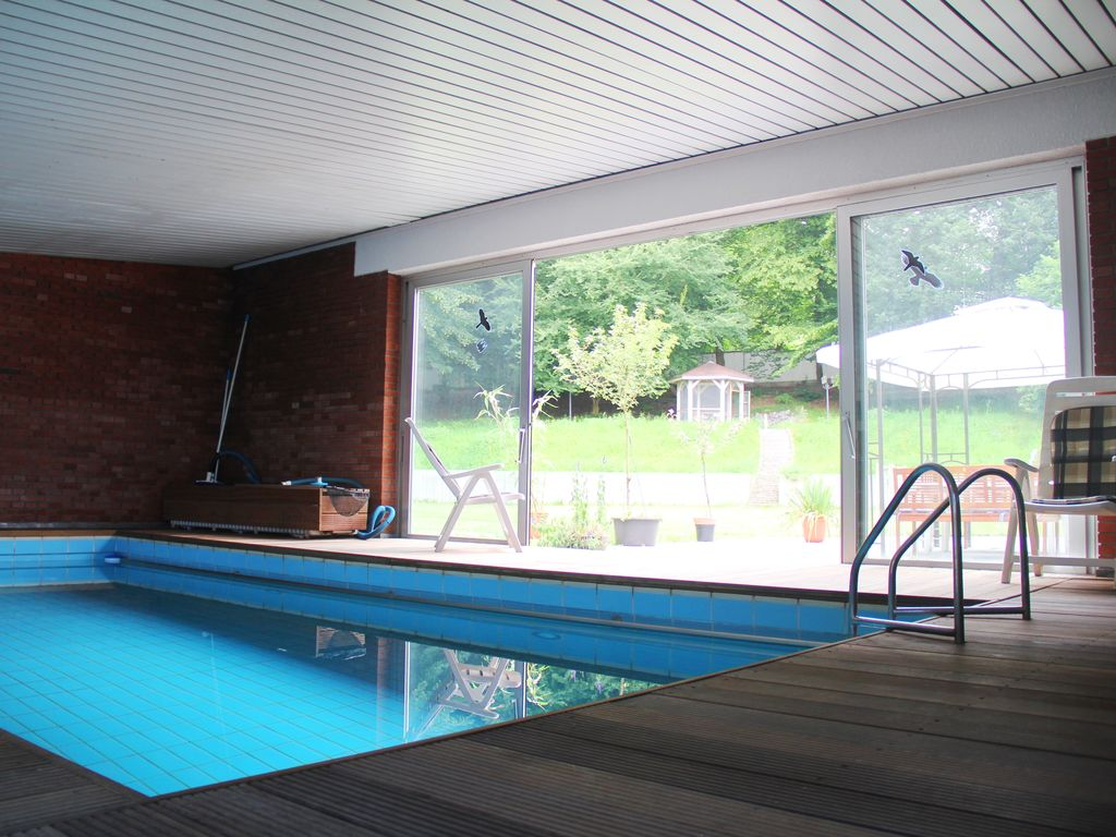 luxury villa 520 m2 pool sauna wellness for large family near dusseldorf cologne wuppertal. Black Bedroom Furniture Sets. Home Design Ideas
