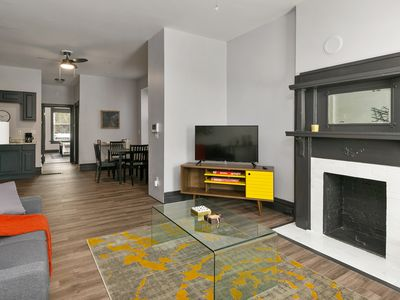 Photo for Stylish Tower Grove East Home