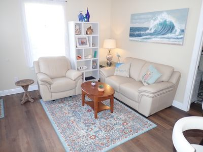 Photo for Gorgeous carriage house apartment close to everything!