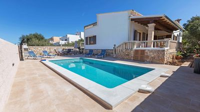 Photo for Nice chalet with pool in a quiet side street