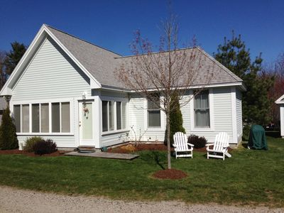 A charming and quaint Cottage at Summer Village with in-ground pools -