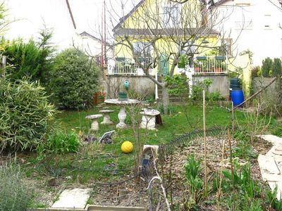 Photo for Quiet green setting 20 minutes from central Paris