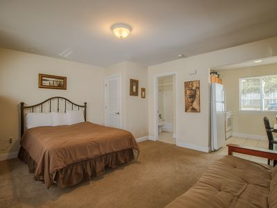 Photo for Biloxi Studio near Beach w/ WiFi, Gym & Complex Pool Access