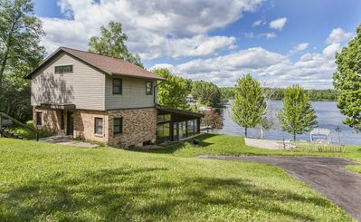 DULUTH LAKE HOME GREAT FAMILY GATHERING ON BEAUTIFUL LAKE INCLUDING A DOCK.